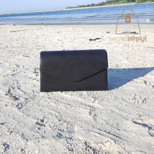 czarna torebka wizytowa