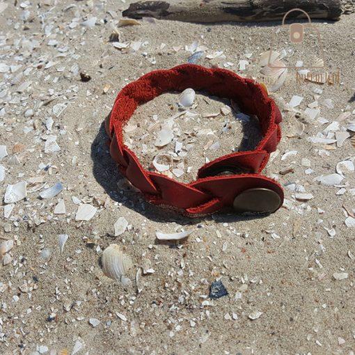 czerwona bransoletka skorzana dwa