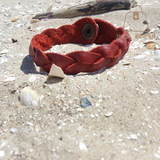czerwona bransoletka skorzana tył