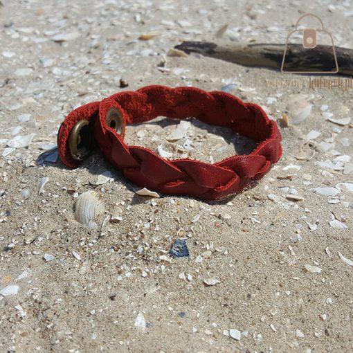 czerwona bransoletka skorzana zapiecie