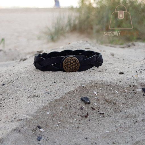 Czarna bransoletka skórzana plaża