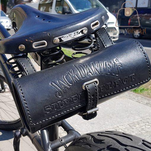 Skórzana sakwa rowerowa rower detal