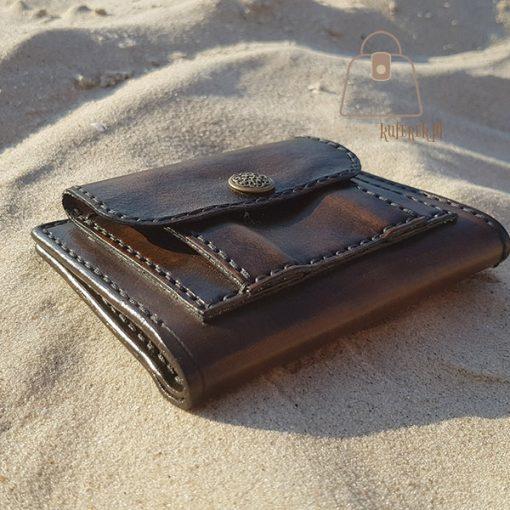 Skórzany portfel tłoczenie wzór bok