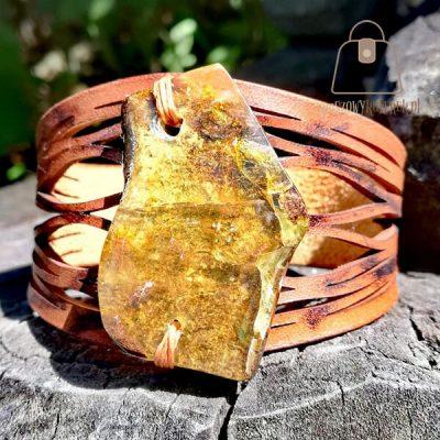 Skórzana bransoletka z bursztynem bałtyckim kameleon