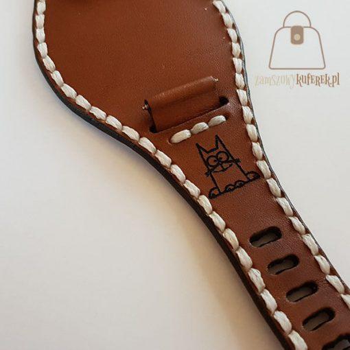 Skórzany pasek do zegarka biała nić detal