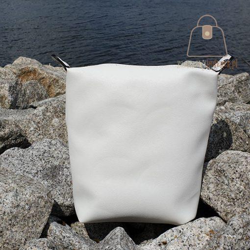 torebka koszyk z kosmetyczką kosmetyczka