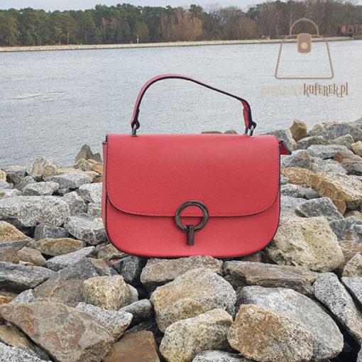 czerwona listonoszka torebka