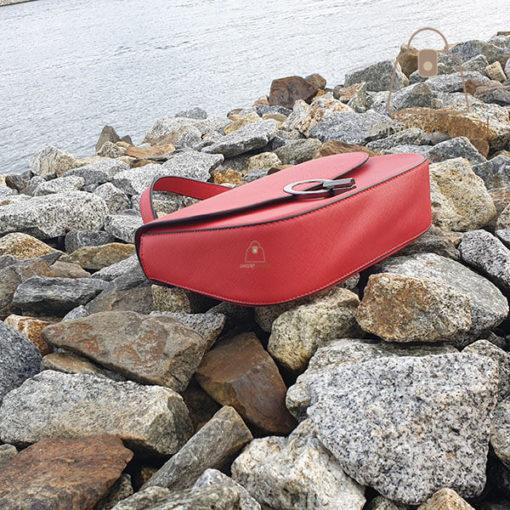czerwona listonoszka torebka dół