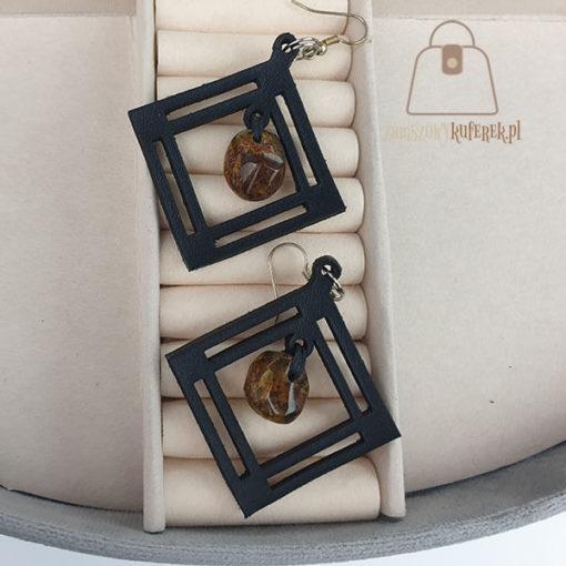 Skórzane kolczyki z bursztynem łezka rąby