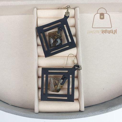 Skórzane kolczyki z bursztynem łezka rąby czarne