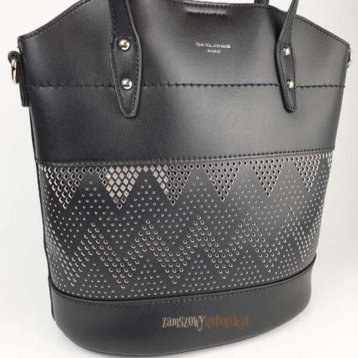 Ażurowana torebka damska z kosmetyczką detal