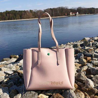 Różowa torebka David Jones