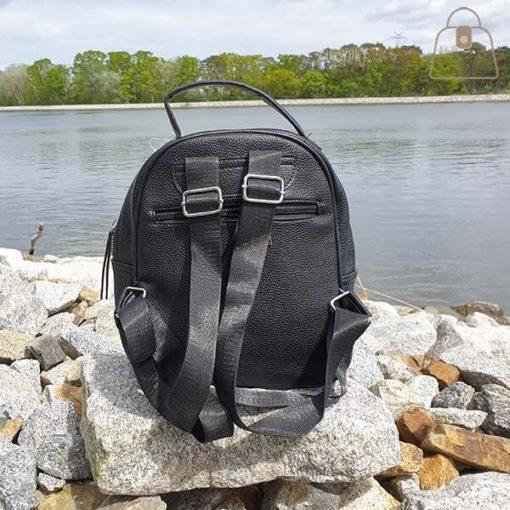 Czarny plecak tył