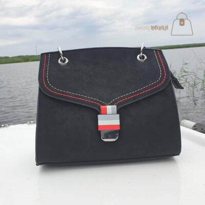 Czarna torebka damska kuferek