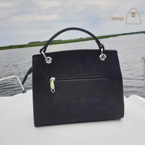 Czarna torebka damska kuferek tył